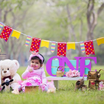 Cake Smash Photography in Noida by Little Stories